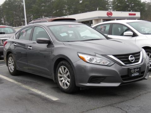 Certified Pre-Owned 2017 Nissan Altima  Front Wheel Drive 4dr Car