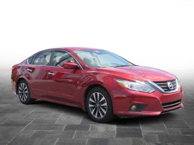 Certified Pre-Owned 2017 Nissan Altima 2.5 SV FWD 4dr Car